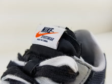 Load image into Gallery viewer, Nike Sacai Waffles BLK
