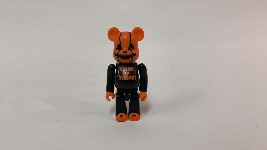 BEARBRICK 100% 2001 HALLOWEEN TRICK OR TREAT