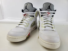Load image into Gallery viewer, Jordan 5 Retro Supreme White Size 9, Condition : Excellent