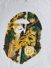 Load image into Gallery viewer, Bape Tee Leaves Camo