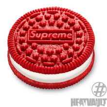 Load image into Gallery viewer, Supreme Oreo (pack of 3 cookies)