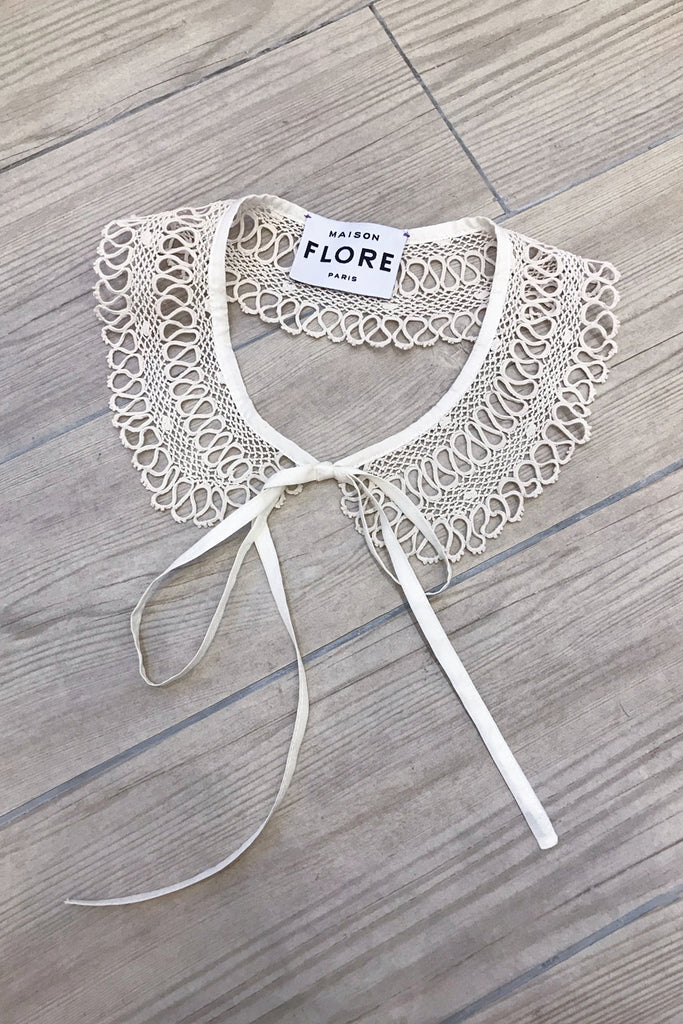THE MUGUET COLLAR - CROCHET