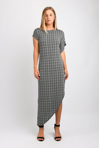 Lola Asymmetric Maxi (Black Hexagon)