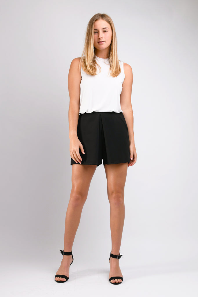 Ripley Box Pleat Short (Black)