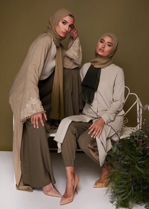 Cuffed Trousers in Khaki Aab