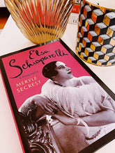 Load image into Gallery viewer, Elsa Schiaparelli : A Biography, carte de Meryle Secrest