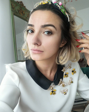 Load image into Gallery viewer, Bentiță neagră Queen Bee