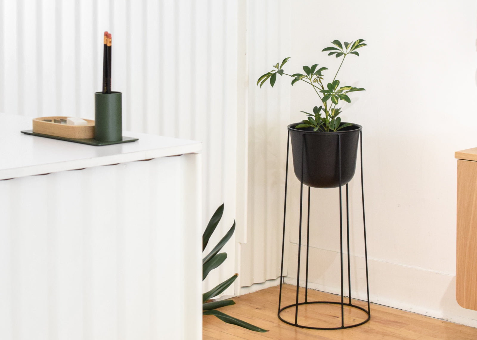 Menu - Wire Base & Wire Pot