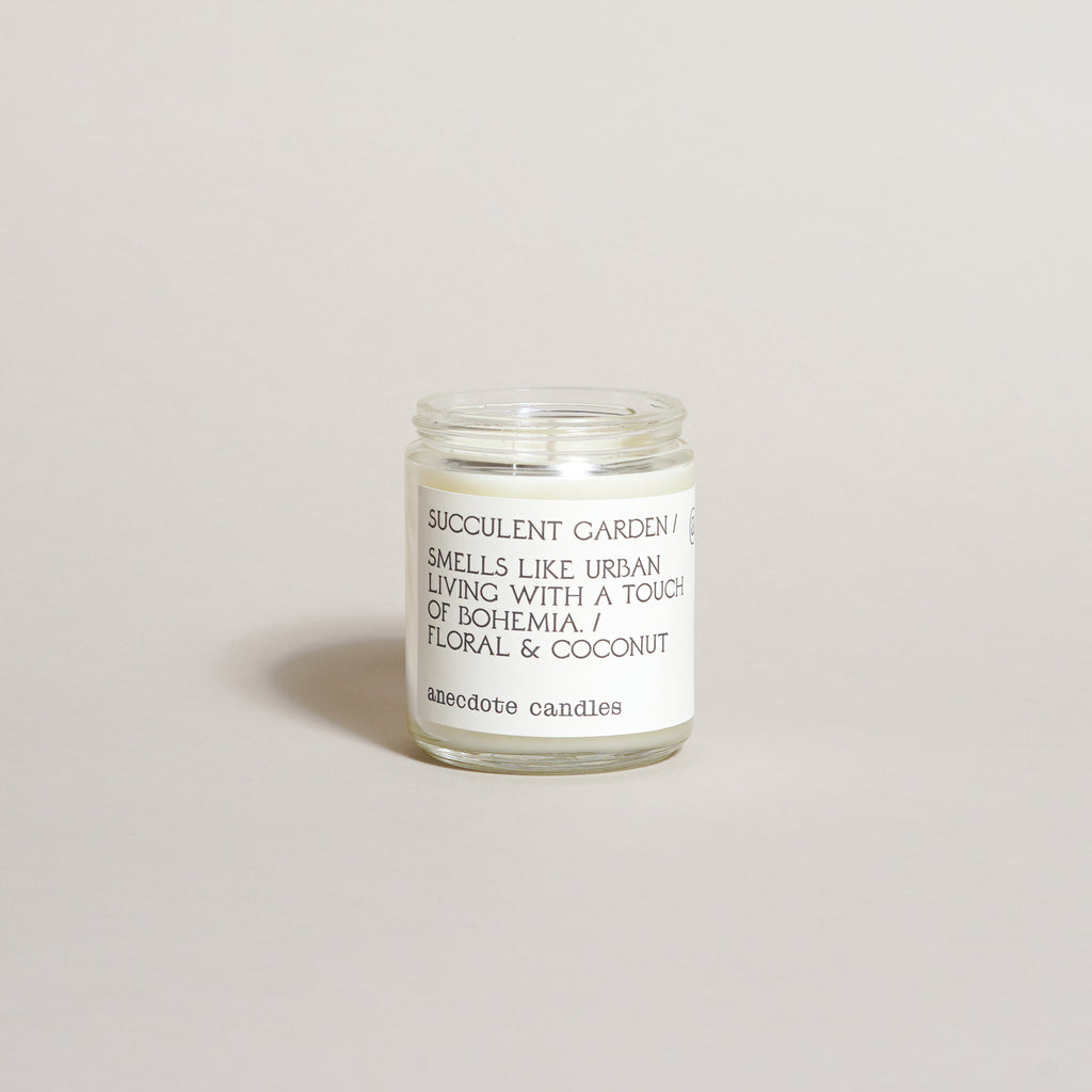Floral & Coconut Candle (7.8 oz)