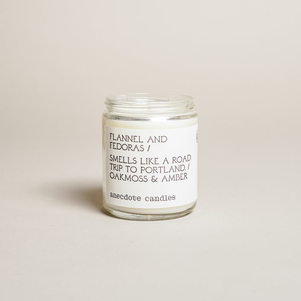 Oakmoss & Amber Candle (7.8 oz)