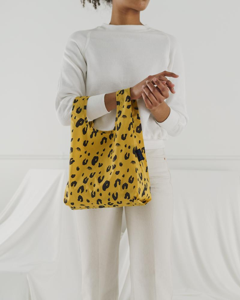 A perfect shopping tote for lunches, the Baby Baggu in Leopard.