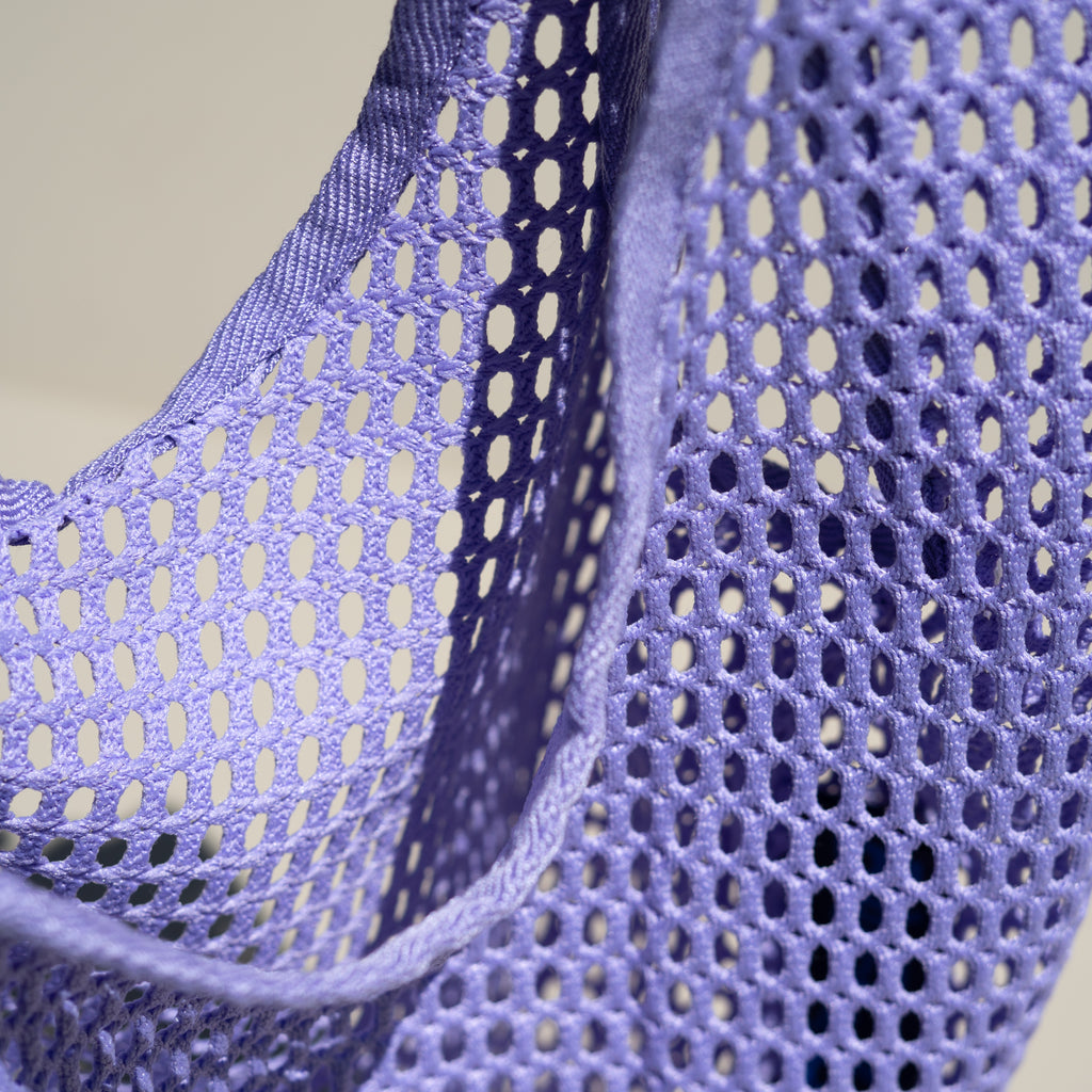 Detail shot of the Net Baggu in lilac.