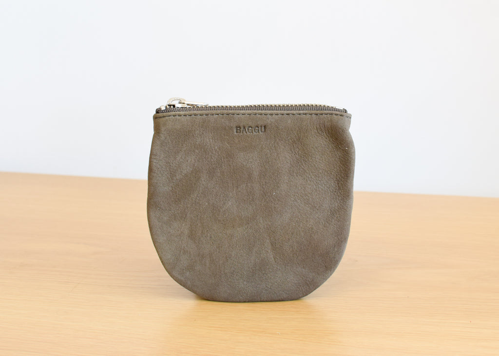 The U Pouch from Baggu in taupe nubuck.