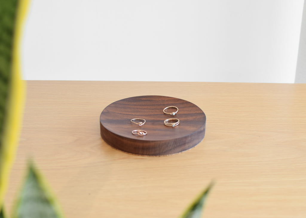 Circle Dish (Black Walnut)