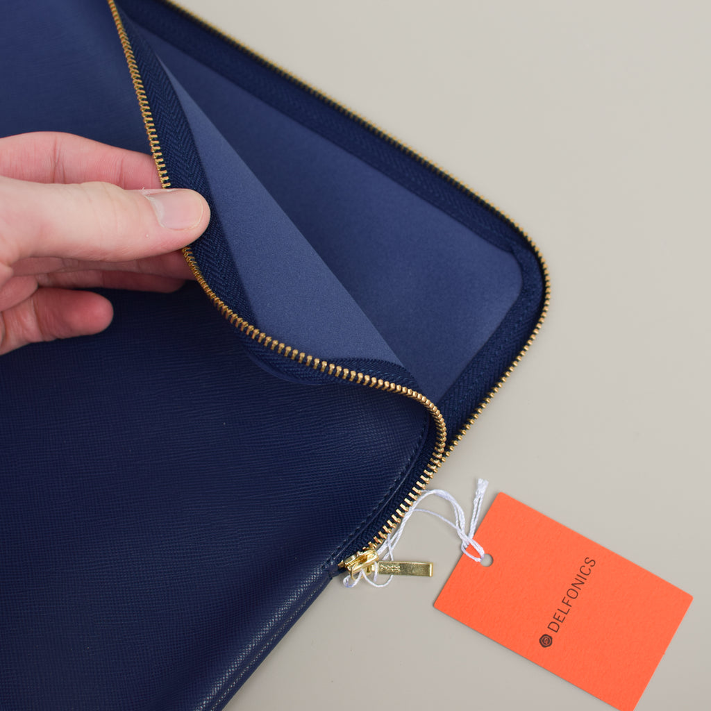 From Delfonics, the Quitterie Pouch Case (Large w/ Wrap Zip) from Japan with YKK zipper.