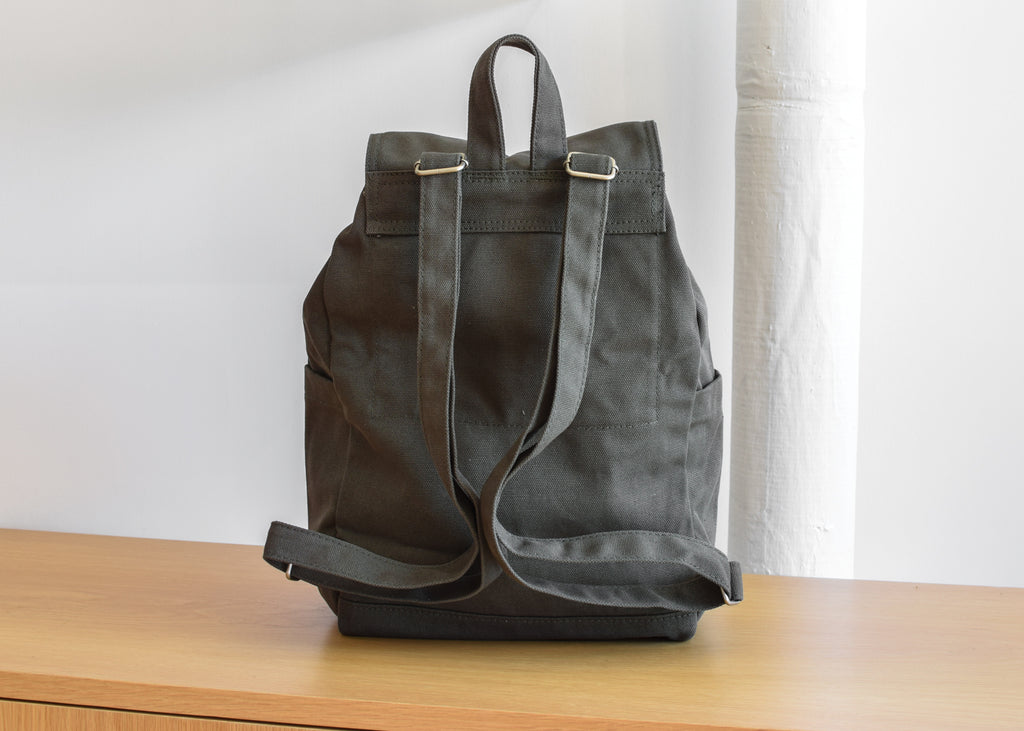 Drawstring Backpack (Dark Olive)