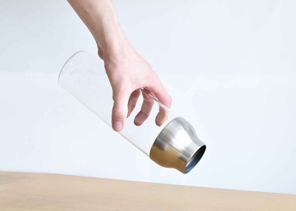 Kinto's Capsule Water Carafe features a unique mechanism that is designed to open automatically.