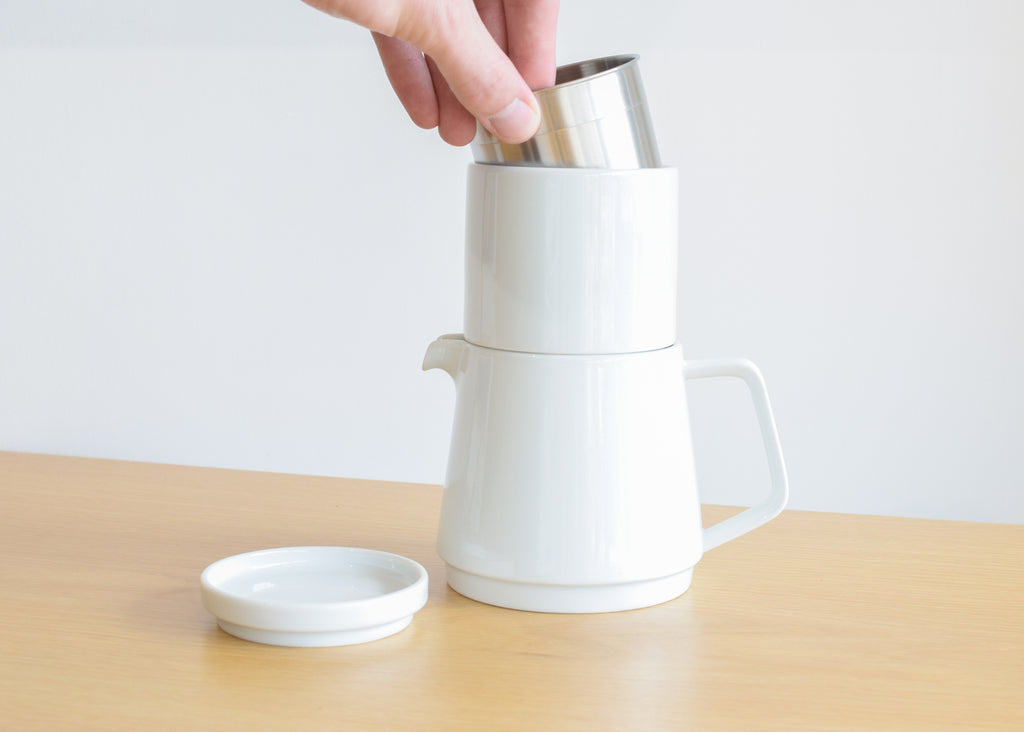 The Faro Coffee Pot Set is a complete coffee making kit.