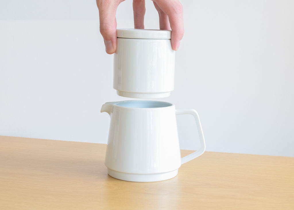 A stackable design highlights the Faro Coffee Pot Set from Kinto.