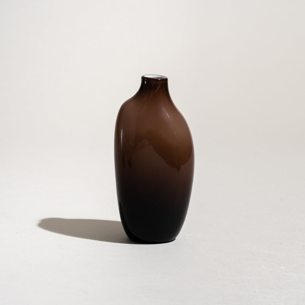 Sacco Vase (Brown)