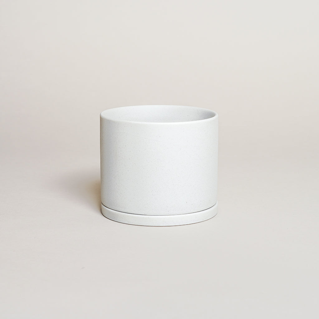 The Plant Pot 191 in 105mm size from Kinto Japan in earth gray.