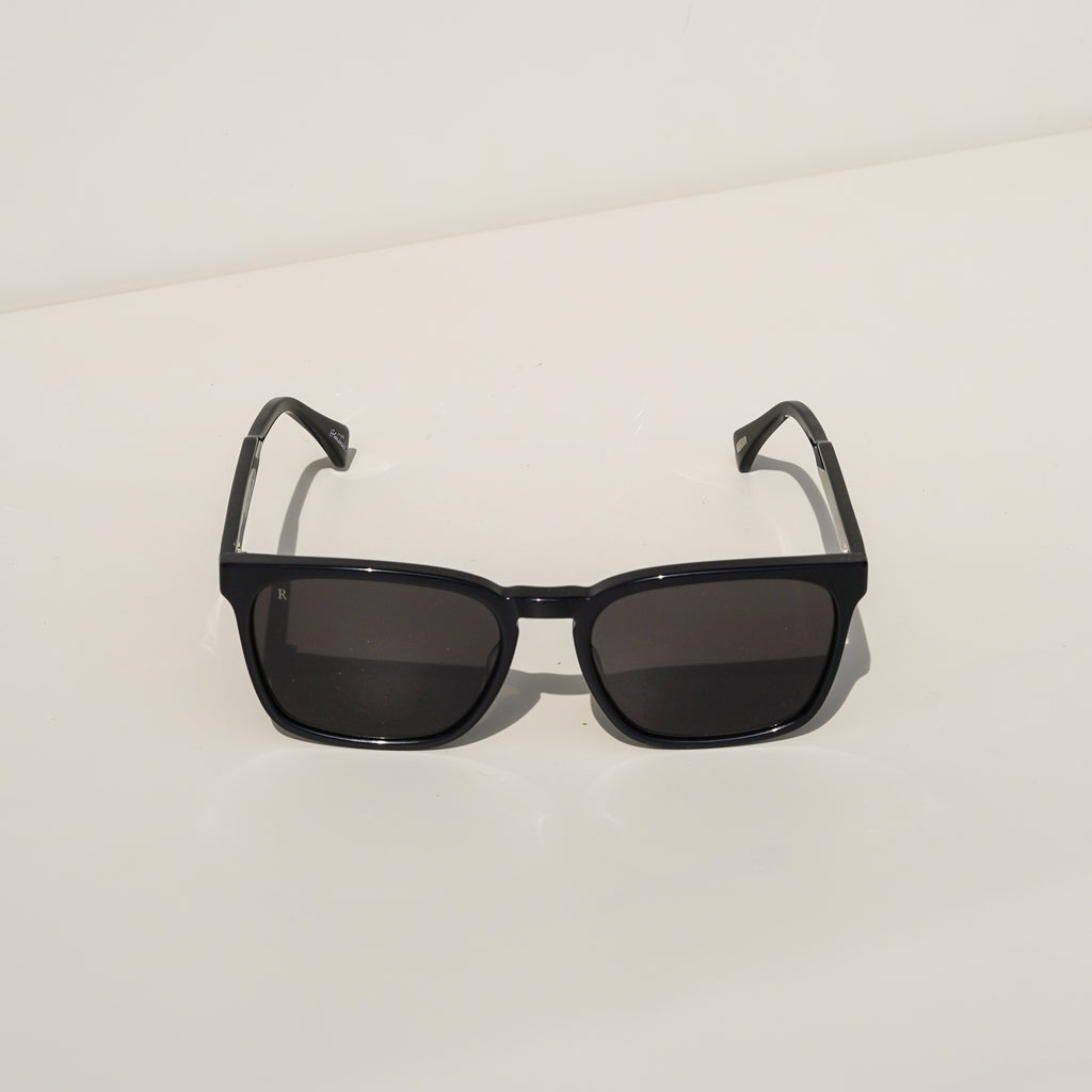Pierce Sunglasses (Black)