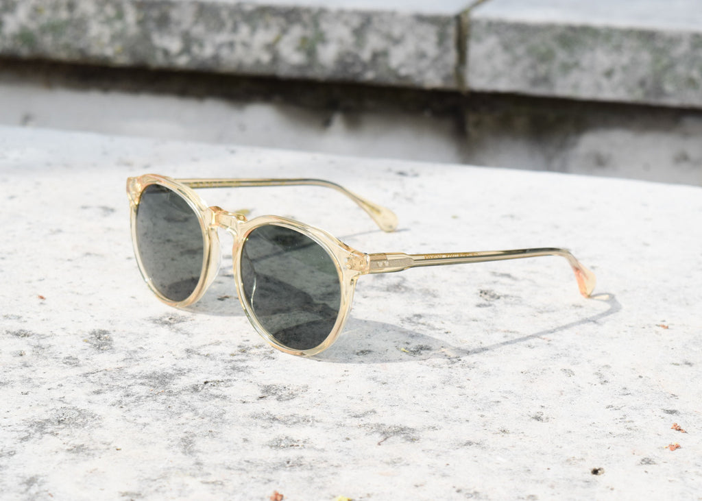 The Raen Remmy classic sunglasses in champagne crystal with polarized lenses from a front angle.