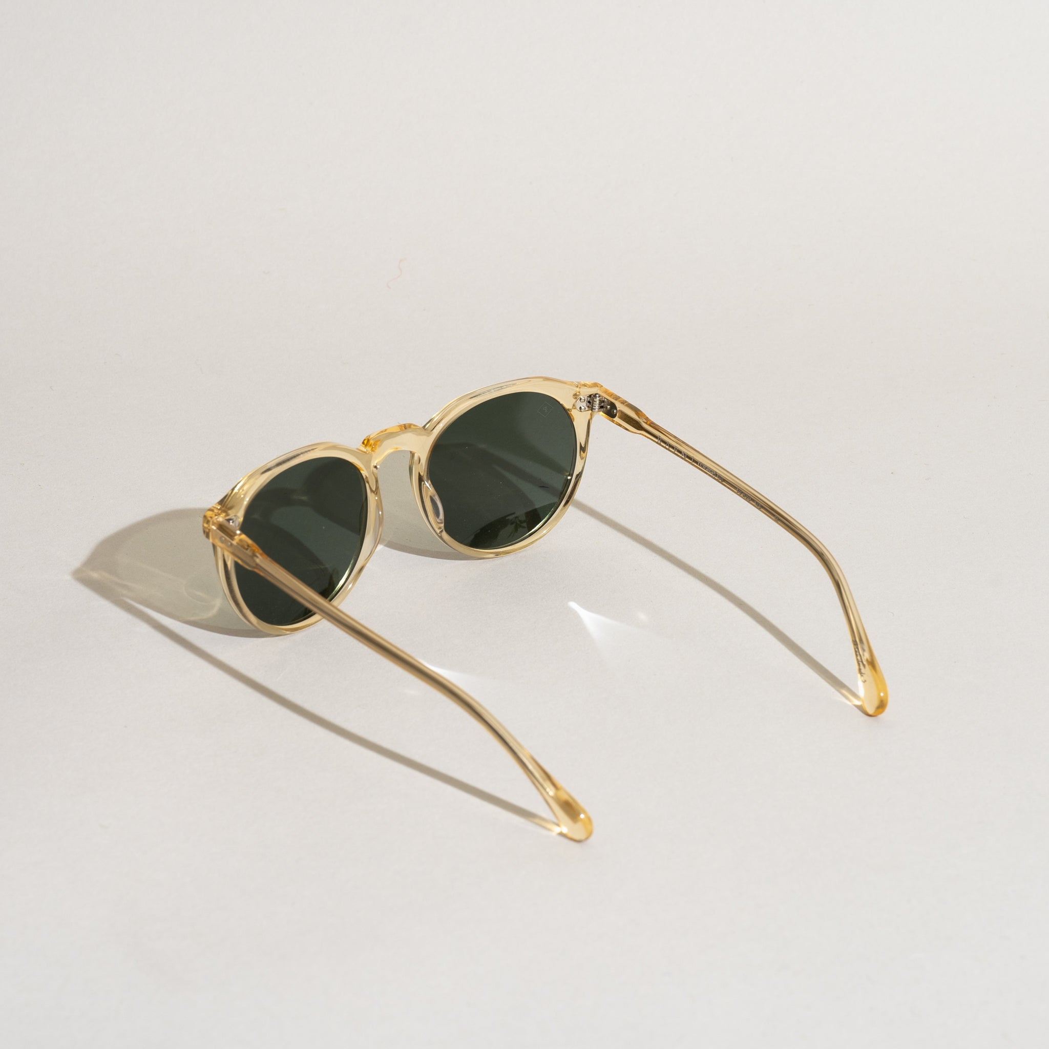 Remmy 52 Sunglasses (Champagne Crystal / Polarized)