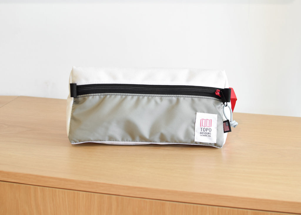 Dopp Kit (White/Silver)