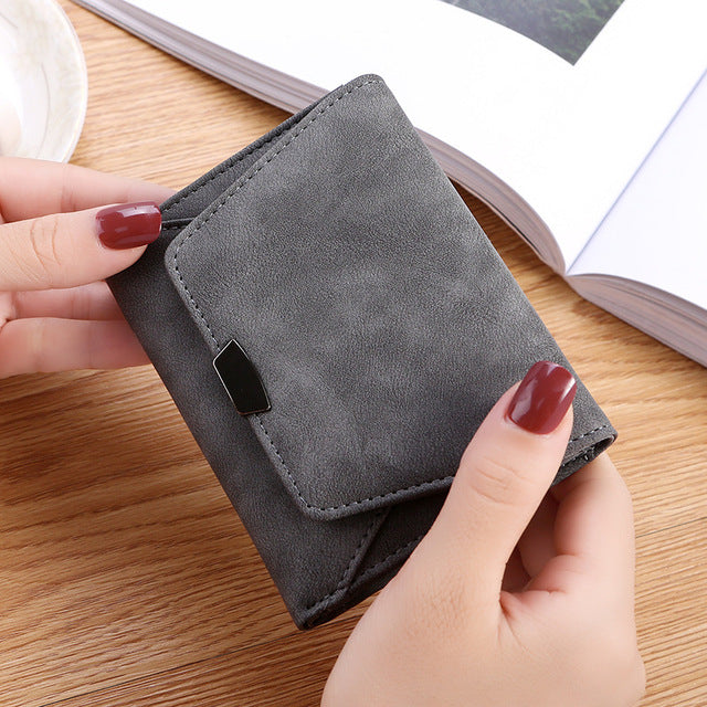 Wallet Female Women Leather Folding Coin Purse Hasp Short Wallet Vintage Fashion Lady Wallet for Credit Cards Carteira W099