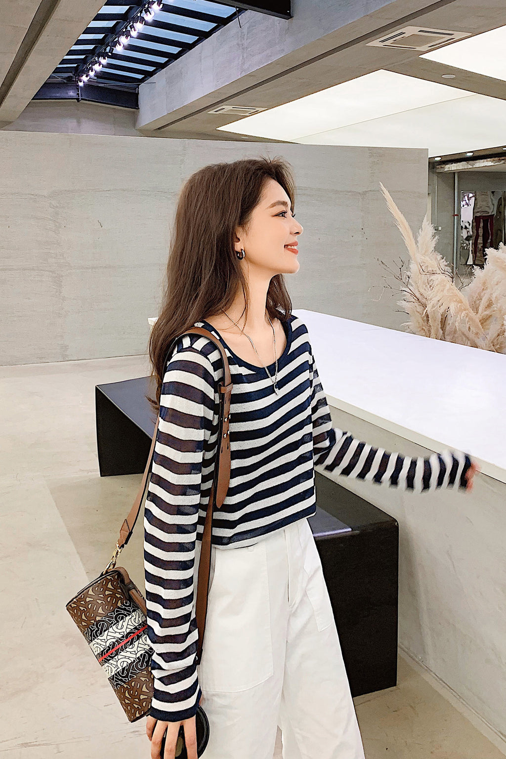 Navy and Black Knit Striped Crew-Neckline Sweater - 7GEGE