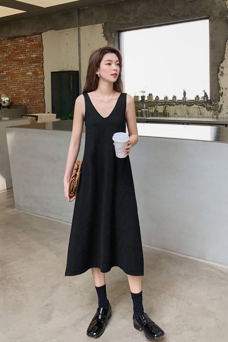 V-neck Non Sleeves A-line Dress - 7GEGE