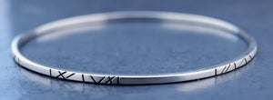 Narrow Alternating Pattern Silver Bangle