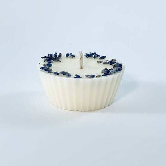 Soy wax candle with lavender and sweet orange scent