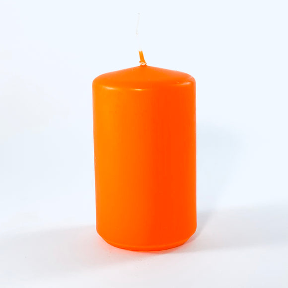 Powderpressed candle ⌀ 6x10 cm, orange