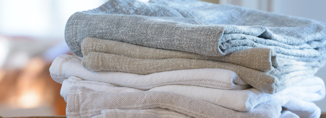 <p>A perfect combination of breathability and comfort, our linen-cotton blend blankets are remarkably light and airy.</p>