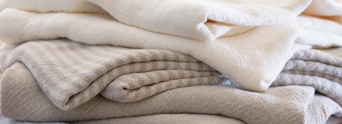 <p>Our pure linen blankets have the perfect weight with a superb airy feel. They provide blissful comfort and exceptional coolness.</p>
