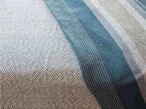 Parlin cotton blanket close-up image.