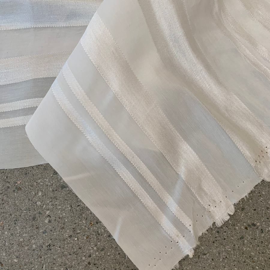 Sample Emerson Ivory