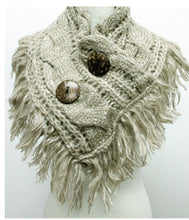 Load image into Gallery viewer, Knitted Cable Cowl