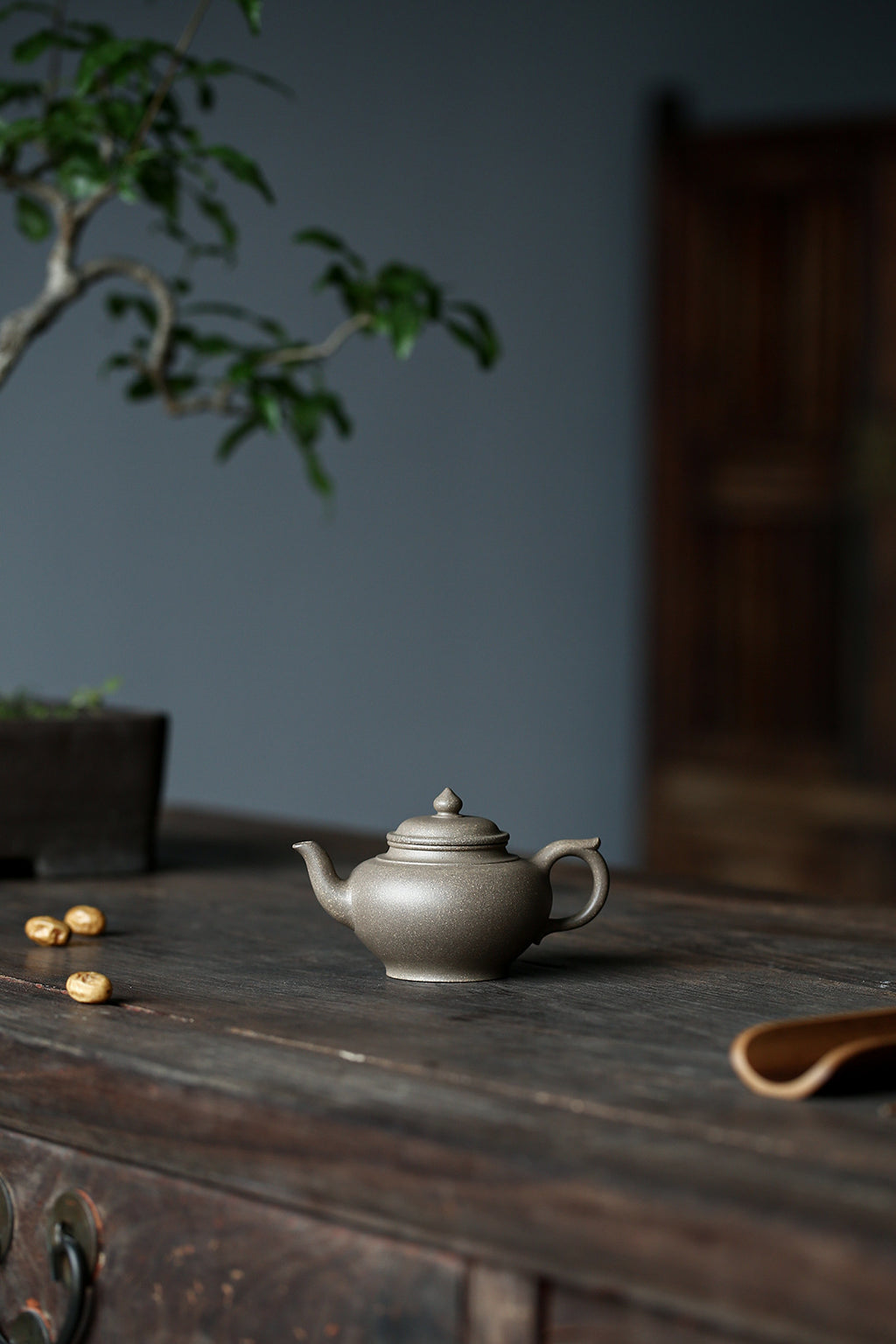 笑樱壶 Xiao Ying 雪花段泥  Snow Duanni  金林传砂 杭海.180ML - The Phans Yixing Zisha Teapot