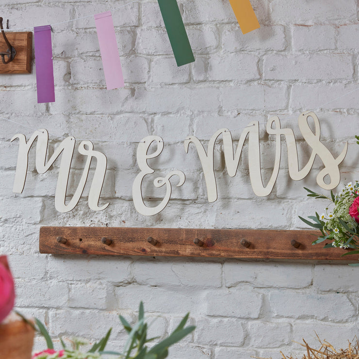 Mr And Mrs Wooden Bunting -  Wooden Wedding Bunting - Mr & Mrs Bunting - Wedding Bunting Backdrop - Mr And Mrs Backdrop