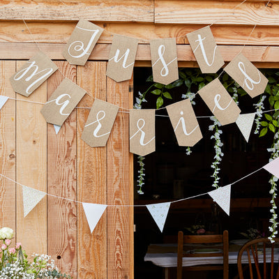 Just Married Bunting - Just Married Banner - Wedding Bunting - Wedding Decorations - Rustic Wedding Decor