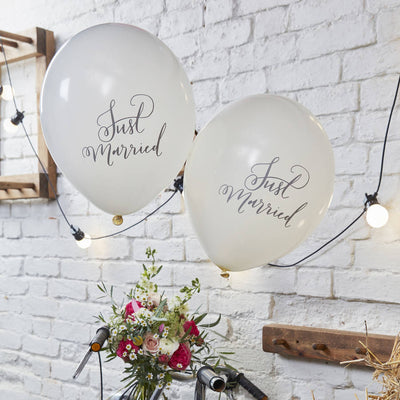 Pack of 10 Ivory 'Just Married' Balloons.