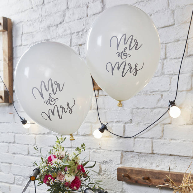 Pack of 10 Ivory 'Mr & Mrs' Balloons.
