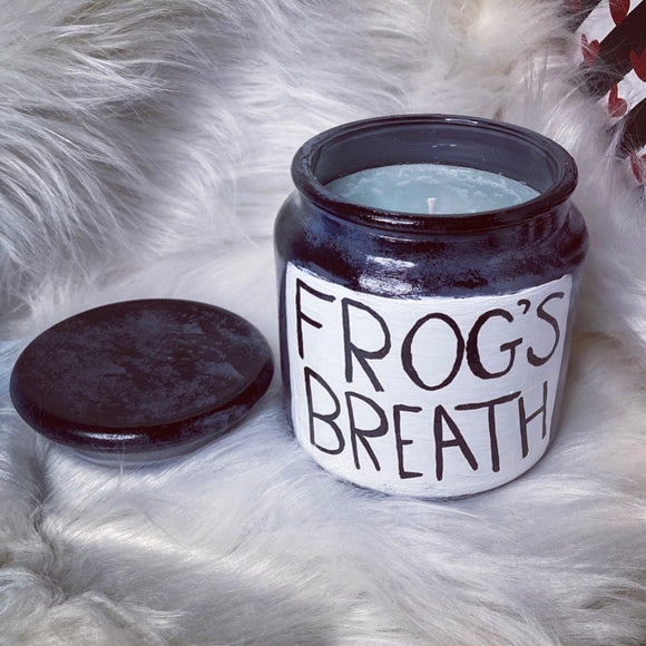 Frogs Breath XL candle