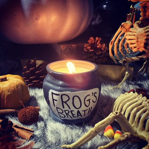 Frog's Breath candle