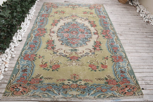 Oriental Vintage Turkish Rug | Decoraline