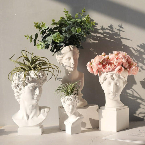 David & Venus Sculpture Pots | Decoraline
