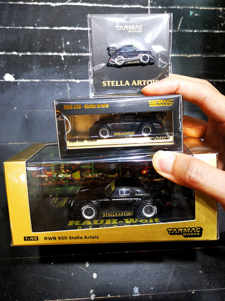 Tarmacworks 1:43 1:64 Scale Porsche 930 RWB Stella Artois set of two + Pin badges